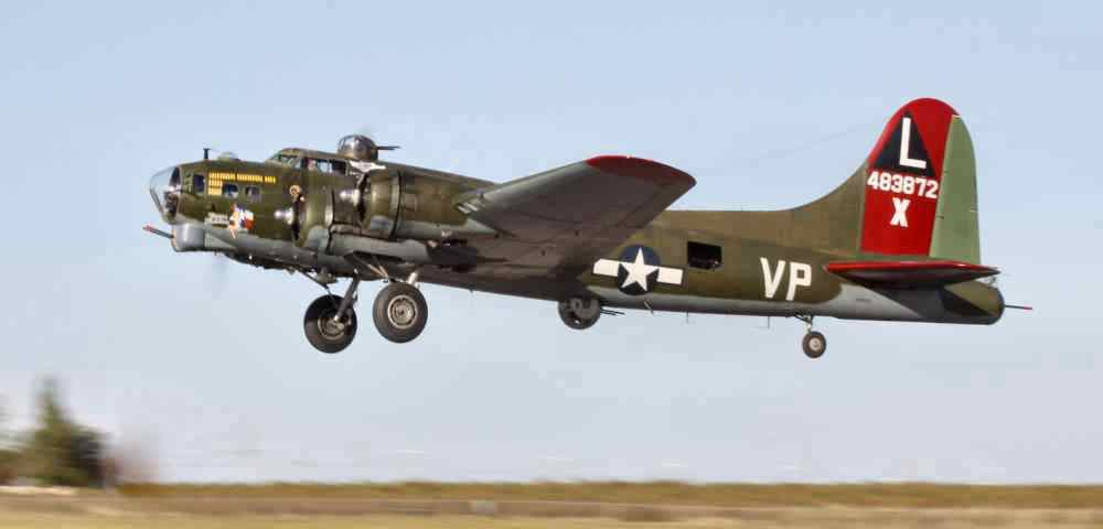 Book your flight on B-17 Texas Raiders NOW !